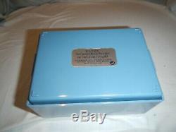 Estee by Estee Lauder Perfumed Body Dusting Powder 6 oz / 170g Inside Sealed