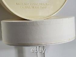 Mary Kay Angelfire 6 oz Perfumed Dusting Powder Vintage Authentic Fragrance RARE