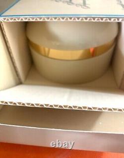 NIB Estee Lauder PRIVATE COLLECTION Perfume Dusting Body Powder 4.25 oz BOXED