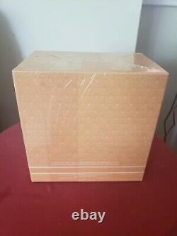 New sealed CHLOE perfumed DUSTING POWDER 6 oz lagerfeld paris