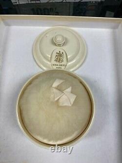 Nina Ricci Perfumed Dusting Body Powder (8 oz)
