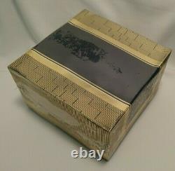 Shalimar Guerlain Perfume Dusting Body Powder 4.4 oz New Box Cellophane Sealed