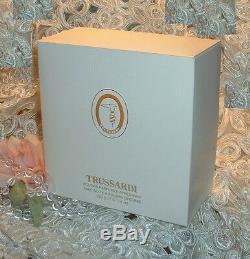 TRUSSARDI FEMME Perfume d Dusting Bath POWDER 5 oz / 150 g FULL SIZE